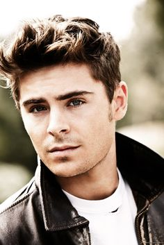 Zac Efron why are you so hot!!