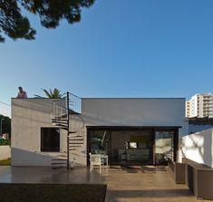 PC House by XVA