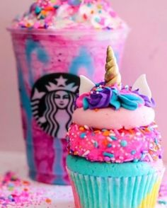 It's the most magical food trend that has been sweeping the internet all year: Unicorn treats. It may have started with the Starbucks Unicorn Frapp (RIP!) but now, recipes everywhere have sparkly sprinkles and pastel rainbow colors. Menu Secreto Starbucks, Bebidas Do Starbucks, Cute Food, Yummy Food, Kreative Desserts, 7th Birthday Cakes, Starbucks Secret Menu Drinks, Starbucks Drink Image, Starbucks Coffee