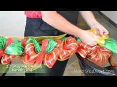 Party Ideas by Mardi Gras Outlet: Christmas Deco Mesh Garland : A Video Tutorial Christmas Door, Winter Christmas, All Things Christmas, Christmas Holidays, Christmas Wreaths, Winter Wreaths, Spring Wreaths, Summer Wreath, Christmas Projects