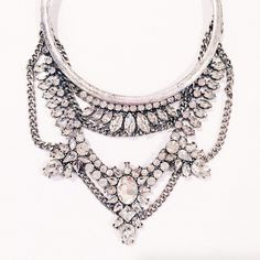 this antique metal and crystal statement necklace sure is a beauty. via @merrittbeck