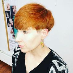 Short haircut for woman