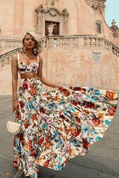 Description Product Name Sexy off shoulder Midriff-baring floral printed beach maxi dress Sexy Maxi Dress, Boho Dress, Look Boho, Bohemian Lifestyle, Vacation Dresses, Western Style, Look Fashion, Dress Fashion, Dress Brands