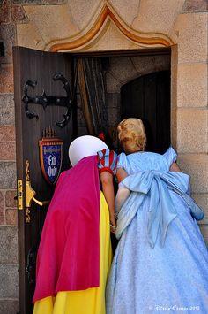 Peeking Princesses <3