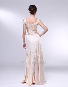 65bd5ee3a3a Οι 24 καλύτερες εικόνες του πίνακα Ρούχα που θέλω να φορέσω   Bridal ...