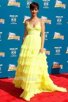 Rihanna Yellow Spaghetti Straps V-neck Backless A-line Ruffle Dress BET Awards 2008 Rihanna Dress, Rihanna Style, Rihanna Fashion, Rihanna Outfits, Bet Awards, Celebrity Prom Dresses, Strapless Dress Formal, Formal Dresses, Strapless Maxi