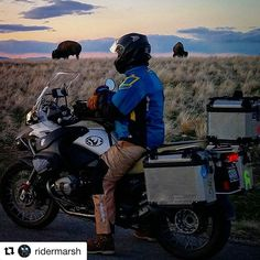 #Repost @ridermarsh with @repostapp ・・・ Sometimes you just have to stop and smell the...bison. @claydoty and his sweet #GSA taking in the view. # BMW  #butlermaps #advaddicts #igutah #xladv