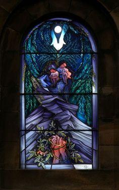John K. Clark - Glasspainter - Stained Glass Artist - Glasmaler - St Margret's, Newlands - The Easter Windows