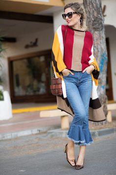 6d694a920b8 KANSAS – Mi Aventura Con La Moda. Colourfull striped poncho+cropped ruffles  jeans+bronze midi heeled pumps+brown chain shoulder bag+sunglasses+jewelry.
