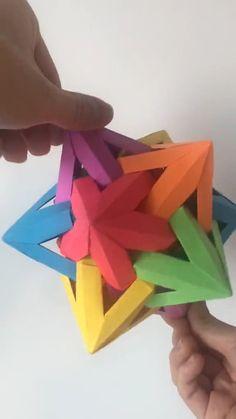 Cool Paper Crafts, Paper Crafts Origami, Diy Crafts Hacks, Diy Crafts For Gifts, Diy Arts And Crafts, Origami Paper, Craft Stick Crafts, Resin Crafts, Creative Crafts