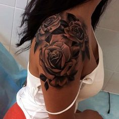 Elegant rose tattoos for your shoulder Lovely Designs with Meaning & Tips. Tattoos for girls are no longer the novelty they used to be. Many women now get inked, as the term goes. Here we have best and beautiful Elegant rose tattoos for your shoulder Rosen Tattoo Schulter, Tattoo Schulter Frau, Dream Tattoos, Sexy Tattoos, Tatoos, Ladies Tattoos, Rose Tattoos For Women, Ladies Back Tattoo, Arm Tattoos For Women Upper