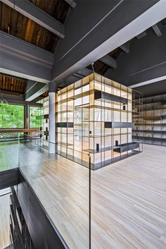 World Architecture Community News - Rongbaozhai Coffee Bookstore is changing the mode of reading by mixing it with coffee house Classic Architecture, Interior Architecture, Interior Design, Cafe Design, House Design, Bookstore Design, Stand Feria, Book Cafe, Design Furniture