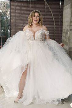Holly Studio Levana Available at All My Heart Bridal Plus Size Bride Plus Size Wedding Dress Studio Levana Curvy Babe 2019 Collection Western Wedding Dresses, Sexy Wedding Dresses, Princess Wedding Dresses, Bridal Dresses, Bridesmaid Dresses, Halter Dresses, Modest Wedding, Church Wedding, Autumn Wedding