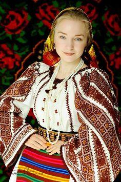 Romania - Colecţia de artă populară Silvia-Floarea Tóth
