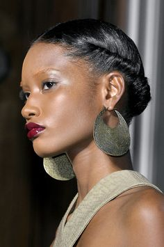 Protective Hairstyles 324892560614211389 - Yves Saint Laurent at Paris Fashion Week Spring 2011 – Details Runway Photos Source by Iammadamecoffee My Hairstyle, Girl Hairstyles, Black Hairstyles, Braided Hairstyles, Updo, Hairstyle Ideas, Curly Hair Styles, Natural Hair Styles, Pelo Afro
