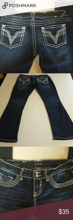 """Vigoss Slim Boot Cut """"Chelsea"""" Jeans Size 7/8 Thick white stitching and glass look buttons.  Good condition no rips or stains. Length is 31"""". Vigoss Jeans Boot Cut"""