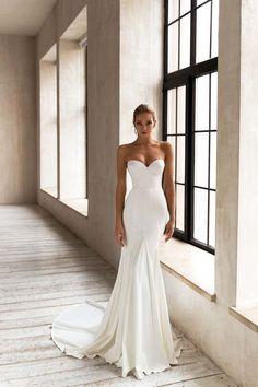 Top Wedding Dresses, Wedding Dress Trends, Elegant Wedding Dress, Wedding Gowns, Wedding Dress Not White, Fashion Wedding Dress, Wedding Ceremony, Different Wedding Dresses, Popular Wedding Dresses