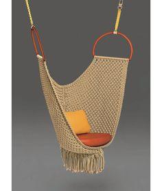 AD Collections, les pieces exposees : Swing Chair (Patricia Urquiola pour les Objets Nomades de Louis Vuitton)