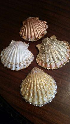 Seashell Painting, Seashell Art, Seashell Crafts, Beach Crafts, Rock Crafts, Fun Crafts, Seashell Projects, Seashell Ornaments, Sea Glass Crafts