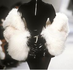 high fashion want to see more pins like t - fashion Look Fashion, 90s Fashion, Runway Fashion, High Fashion, Vintage Fashion, Fashion Outfits, Womens Fashion, Fashion Design, Fashion Clothes
