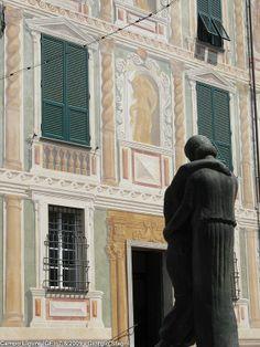 Campo Ligure, scultura L'Abbraccio