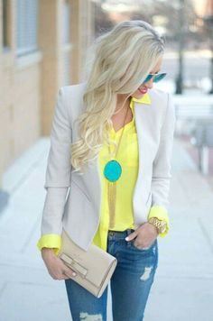 Love this whole outfit - colors together & style. Turquoise and Yellow Nude Gold Jeans Outfit Look Fashion, Fashion Outfits, Womens Fashion, Mode Style, Style Me, Look Blazer, Khaki Blazer, Blazer Shirt, Casual Chic