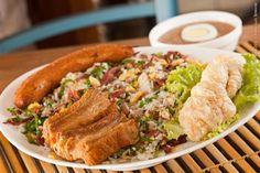 Graça Mineira (jantar)    Mexida mineira  Mexido de carne de sol desfiada, arroz, ovo, couve, feijão, acampanhado de tutu de feijão, banana, torresmo e costela de porco