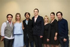 Many fans of The Big Bang Theory was sad to hear about the death of Carol Ann Susi at the end of last year. While she was not a main character or ever on the screen, she played a major role. Johnny Galecki, Jim Parsons, Kaley Cuoco, Carol Ann Susi, Big Bang Theory Series, John Ross Bowie, Simon Helberg, Melissa Rauch, Mayim Bialik