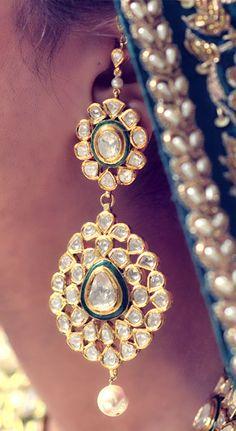 Indian Wedding Jewelry - Polki Eaaring with a Pearl Droplet | WedMeGood #wedmegood #indianbride #indianjewelry #polki #earring #jewelry #indianwedding