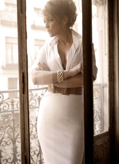 Classic elegance in white and leather belt