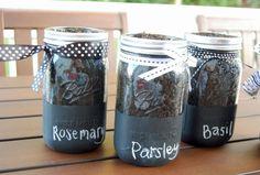 diy mason Jar craft | DIY Chalkboard Mason Jars | Crafts to Create