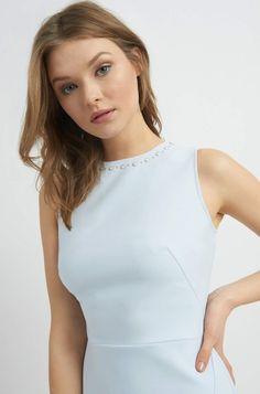 Ołówkowa sukienka z perełkami | ORSAY