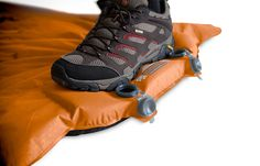 4inches! Want! An integrated foot pump makes setup fast and gives your lungs a rest.