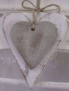 Herz aus Holz – Dessins en bois – The World Valentines Day Decorations, Valentine Day Crafts, Primitive Crafts, Wood Crafts, Decor Crafts, Wooden Hearts Crafts, Arte Pallet, Diy Pallet, Decoration Originale