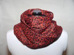 Bomullsscarf röd 129:- @ http://decult.se/store/products/bomulls-scarf-rod