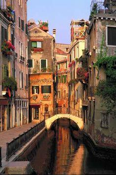 Venice Italy - by Locke Heemstra  http://www.lockeheemstra.com