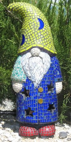 Garden Gnome - Tree Wizard - by Paula Dierks --terracotta gnome with stained glass mosaic. Mosaic Rocks, Mosaic Glass, Mosaic Tiles, Glass Art, Stained Glass, Mosaic Art Projects, Mosaic Crafts, Mosaic Designs, Mosaic Patterns
