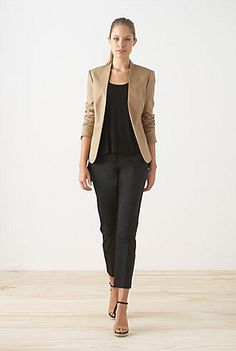 simple outfit: beige blazer with beige sandals, black blouse and trousers