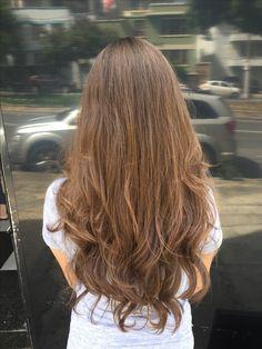 Os cabelos longos são idealizados por muitas mulheres... mas serão sim muito admirados quando bem cuidados e com um corte adequado que realce ainda mais a beleza e o movimento!!!!  #cabelos #beleza #haircut #haircare #wellaProfessionals #Eime