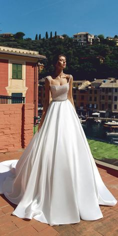 Fabulous Viero Wedding Dresses To Admire You is part of Floral wedding dress - Viero wedding dresses feature amazing details such as original embroidery, ultra feminine lace, exquisite floral motifs Here amazing wedding dress ideas! Wedding Dresses 2018, White Wedding Dresses, Bridal Dresses, Floral Wedding, Wedding Bouquets, Rustic Wedding, Light Wedding, Luxury Wedding, Wedding Reception