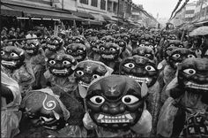 natgeo photo by @chien_chi_chang/@magnumphotos The time was 1996 and the location Hsinkang, in central Taiwan. Rain or shine, each spring in Taiwan, followers of Taoist saint Matsu make a pilgrimage to commemorate her birthday (she would have been 1062 this year). The procession creeps along from temple to temple on a seven-day, 280-kilometer (174 miles) journey through central Taiwan. Upon reaching their destination, performers wearing lion masks dance in front of the temple.