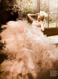 Oh, I just LOVE tulle.  So feminine and dreamy!