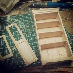 #miniature#miniture#furniture#cupboard#cabinet#craft#shelf#handmade#ミニチュア#家具#カップボード#シェルフ#手作り#ハンドメード  カップボードみたいなやつ作ってます。ステキに色塗りするよ。