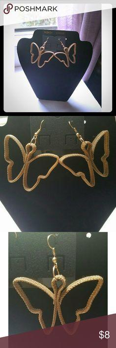 🎉2017 SALE🎉 Gold Butterfly shaped earrings Gold Butterfly shaped earrings Jewelry Earrings