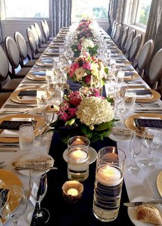 Navy and gold wedding table decor with white and pink flowers, gold chargers, and floating candles. a long rectangle dining table with a white linen and Wedding Table Flowers, Wedding Table Centerpieces, Wedding Table Settings, Flower Centerpieces, Wedding Decorations, Rectangle Table Centerpieces, Rectangle Wedding Tables, Table Wedding, Centerpiece Ideas