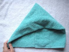 I saw this at kojo designs and have been wanting to make it ever since. I put it off for a while because we have plenty of towels at h. Kids Hooded Towels, Hooded Bath Towels, Sewing Hacks, Sewing Projects, Sewing Ideas, Hooded Towel Tutorial, Baby Towel, Baby Knitting Patterns, Crochet Patterns
