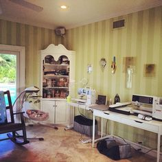 Our Instagram fan @tabarabba has a wonderful sewing space!