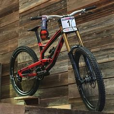 Bike : YT Tues CF Pro -Fox Suspension Credit : @yt_industries ------- Tags : #MTB #Mountainbike #Biken #Biking #RockShox #DH #FR #Sram #Redbull #Freeride #Bikes #Rampage #RedBullRampage #GoProHero #like #likes #cute #Hot #nice #jump #fly #Best #picoftheday #amazing #awesome #YT #ytindustries #DownHill #DownHillBike #DownHillAkademie ------------------------------------------------------------------ Powered by @downhillakademie Tag friends and like to support!
