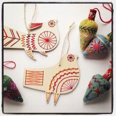 Wooden bird stitch kits and christmas bauble download @www.nancynicholson.co.uk Wooden Christmas Ornaments, Christmas Baubles, Christmas Stuff, Handmade Christmas, Christmas Crafts, Play Shop, Wool Embroidery, Hand Applique, Wooden Bird