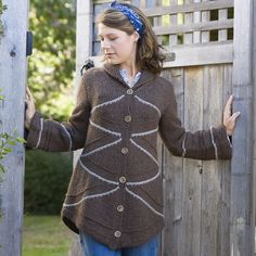 Since we're discussing modular construction over on @sweaterspotter's feed, I thought I'd post this coat from last year's Folly Cove collection: Burton Hills. Much the same idea as that lovely Prada sweater, just a matter of simplicity and scale. Hope you're knitting happily where you are this weekend.